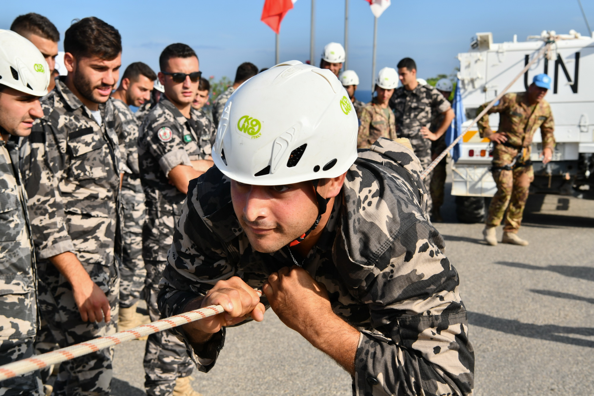 Italian peacekeepers train with Lebanese security forces ...