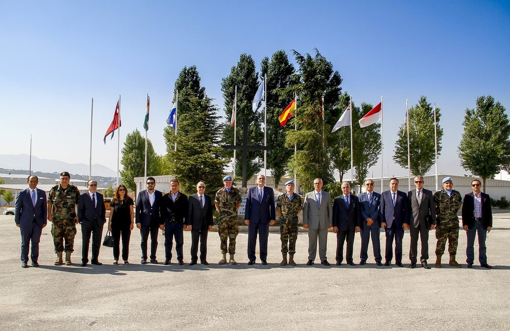 Group photo of the Lebanese Minister of Justice and the visiting delegation at UNIFIL's Sector East Headquarters in Marjayoun, south Lebanon.