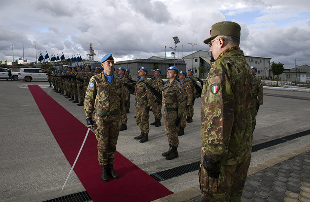 Chief of Staff of the Italian Army Lt.Gen Graziano at his arrival to UNIFL Sector West HQ in Shaama, South Lebanon.