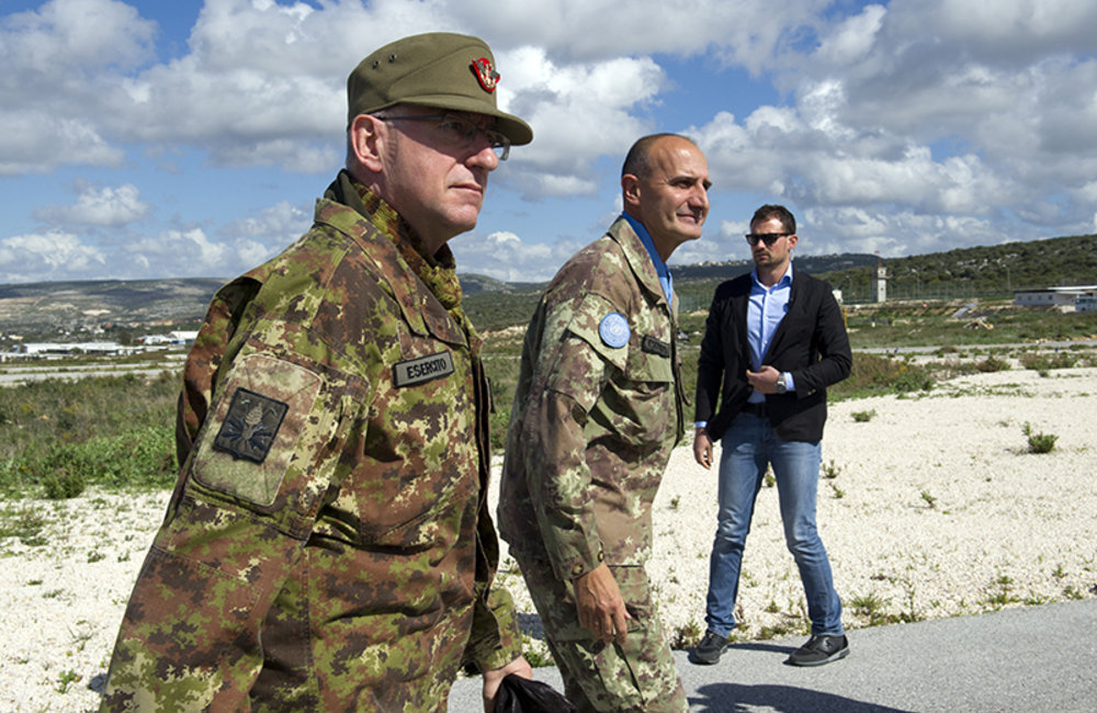 UNIFIL Force Commander Major-General Serra welcoming Chief of Staff of the Italian Army Lt.Gen Graziano at his arrival to UNIFIL HQ in Naqoura.