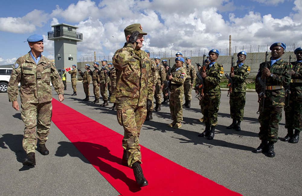 Chief of Staff of the Italian Army Lt. Gen. Graziano reviewing the Guard of Honor at his arrival at UNIFIL HQ in Naqoura.