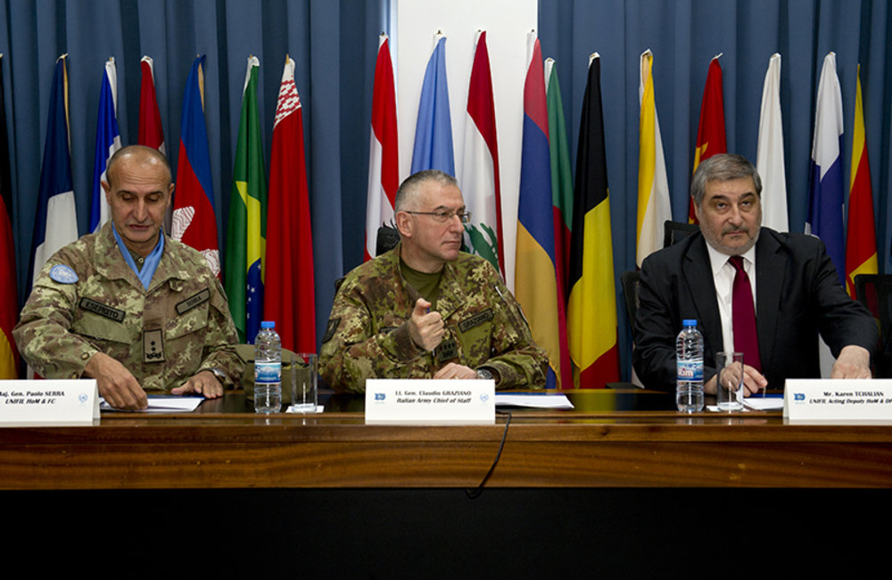 Chief of Staff of the Italian Army Lt.Gen Graziano (center), UNIFIL Force Commander Major-General Serra (left) and UNIFIL Acting Deputy Head of Mission and Director of Political and Civil Affairs Mr. Karen Tchalian (right) during a briefing at UNIFIL HQ.