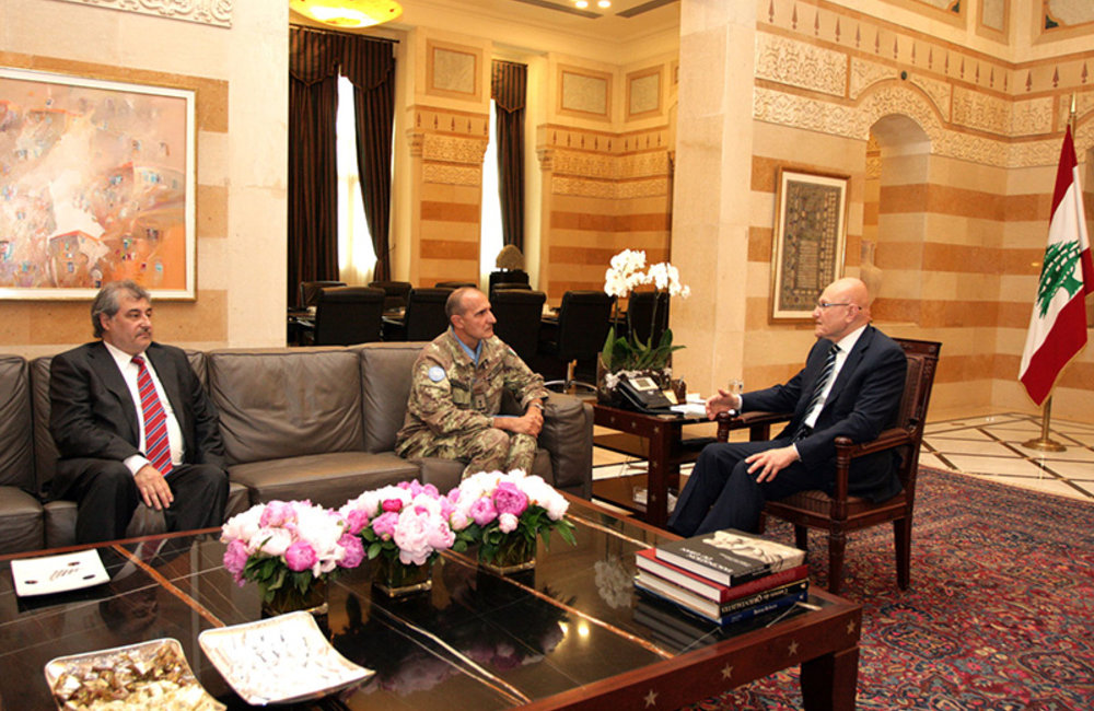 Head of Mission and Force Commander Major-General Paolo Serra and Acting Deputy Head of Mission and Director of Political and Civil Affairs Mr. Karen Tchalian meet with Prime Minister Tammam Salam.