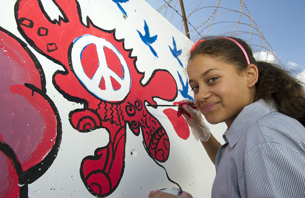 Student participants in the 'Painting for Peace' activity, organized by UNIFIL to mark this year's International Day of Peace.