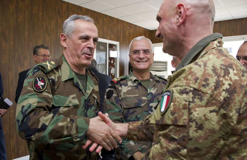 UNIFIL Force Commander extends holiday greetings to local leaders