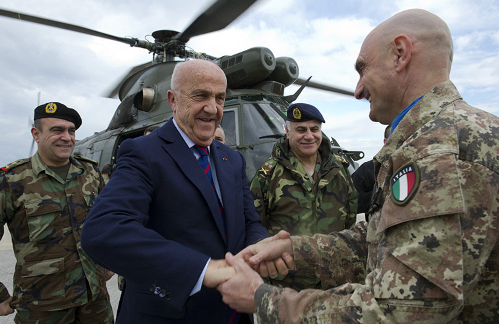UNIFIL Force Commander Major-General Luciano Portolano welcomes Deputy Prime Minister and Minister of Defense, Samir Moqbel and the Lebanese Armed Forces Commander, General Jean Kahwaji to UNIFIL headquarters in Naqoura.