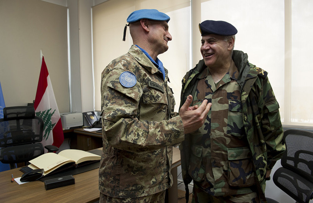 LAF Commander General Jean Kahwaji and UNIFIL Force Commander Major-General Luciano Portolano in a discussion at UNIFIL headquarters.