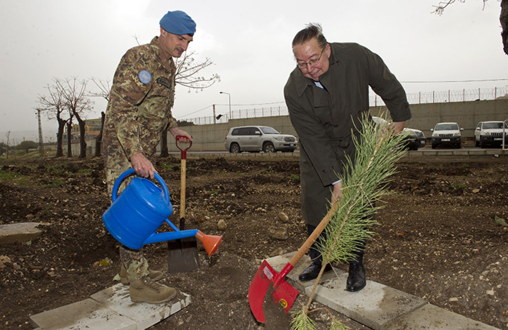 Minister Machnouk and Force Commander Major-General Portolano launched the project by planting the first tree at the UNIFIL Headquarters.