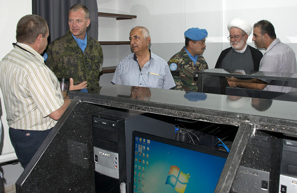 Mr. Nasser al Sabbah, UNIFIL Civil affairs officer, explains to the attendees the importance of the donated equipment.