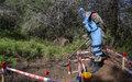 عناصر نزع الألغام في اليونيفيل يواصلون تطهير أراضي جنوب لبنان من الألغام الفتاكة