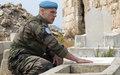 جندي حفظ سلام فرنسي يجتمع بعائلته في جنوب لبنان