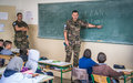 جنود حفظ سلام فرنسيون يعودون الى المدرسة