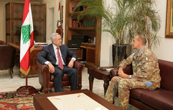 UNIFIL Head of Mission and Force Commander Major-General Paolo Serra during a meeting with Lebanese President Michel Sleiman.